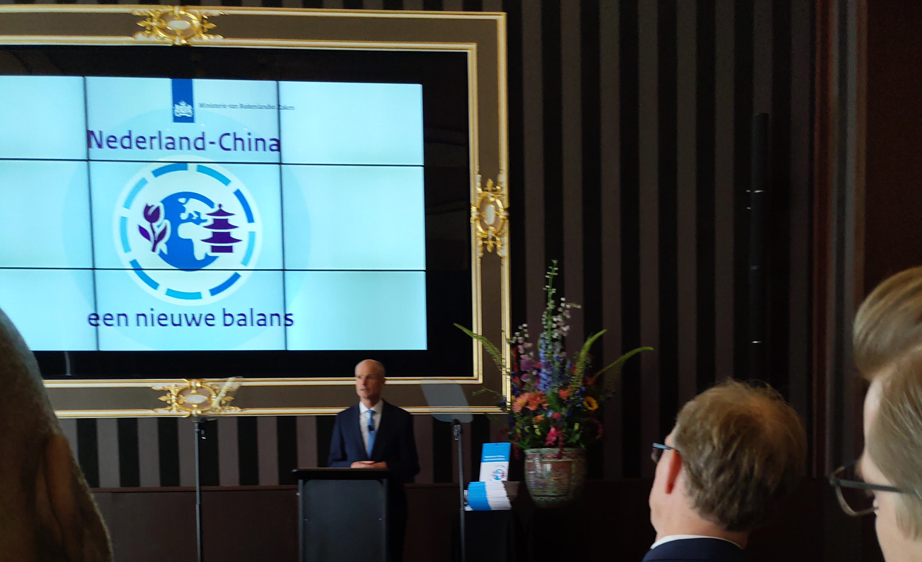 Minister Stef Blok bij presentatie China strategie