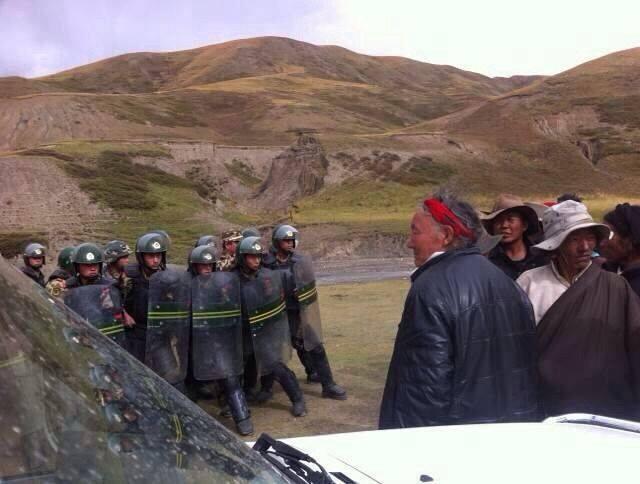 Chinese troepen treden op tegen vreedzame demonstranten