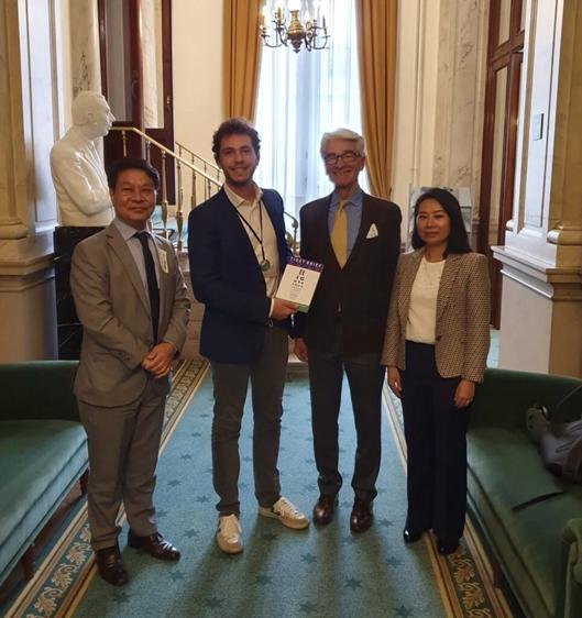 Foto: v.l.n.r. Tashi Phuntsok, Dr. Samuel Cogolati, Dr. Michael van Walt and Ms. Rigzin Genkhang